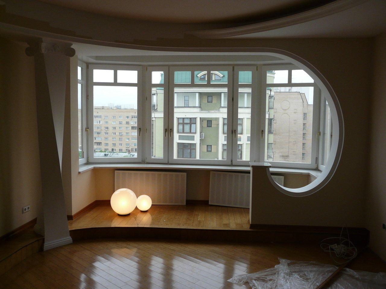 Совмещение панорамного балкона с комнатой в екатеринбурге..